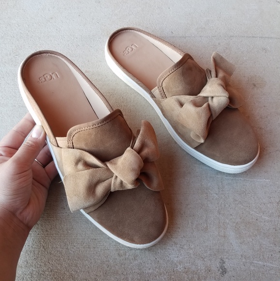380a0596881 UGG Luci Bow Slip On Chesnut Loafer Trainers NWT